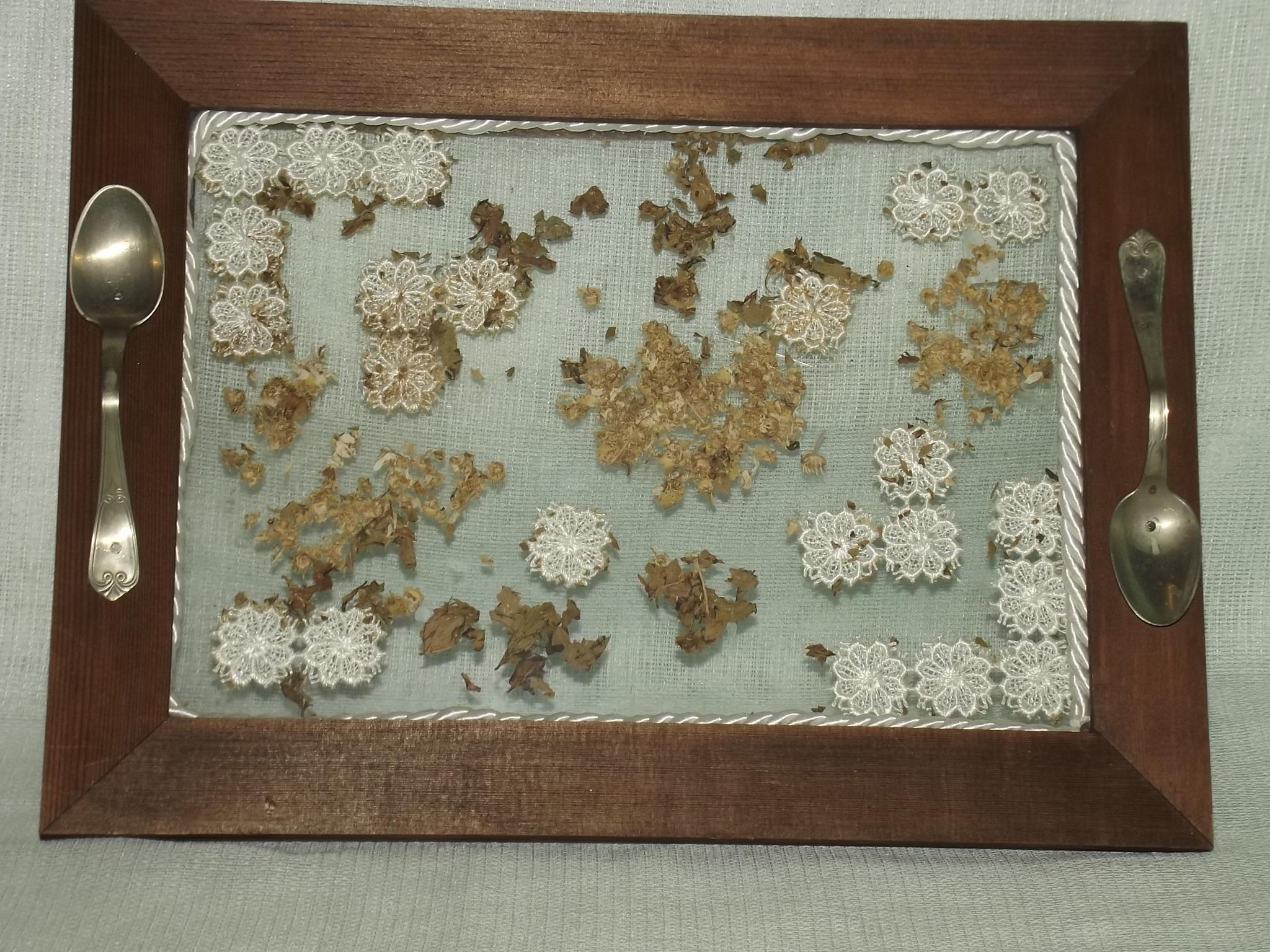 Vassoi In Legno Con Vetro : Vassoio legno pizzi e fiori articoli da regalo di fioremania
